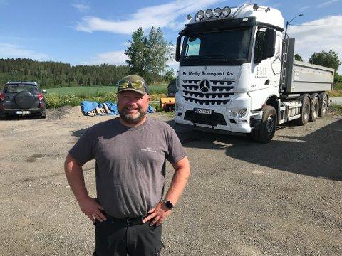 Trond Lysaker, daglig leder i Brødrene Melby Transport AS på Lierfoss, vil gjerne ha tips etter at det forsvant diesel for over 20.000 kroner natt til mandag. Bildet er tatt i en annen anledning. Arkivfoto: Roger Ødegård