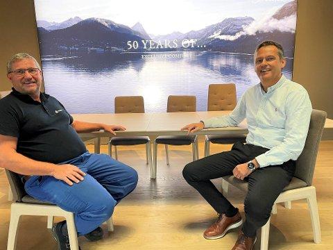 PÅ RETT VEI IGJEN: Klubbleder Atle Berntzen (t.v.) og administrerende direktør Pål Aage Nordahl i Ekornes Beds AS er henrykte over at pilene igjen peker rett vei hos den tradisjonsrike Fetsund-bedriften.