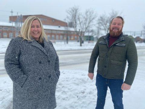 JA, TAKK – BEGGE DELER: Arbeiderpartipolitikerne Heidi Westbye Nyhus og Yngve Lofthus Teigen mener at tog-prosjektene i distriktet ikke er i konkurranse med hverandre.