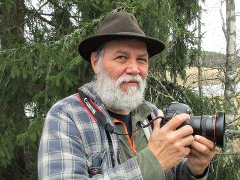 Tom Sætaberget tar gjerne et par fototurer ut i naturen hver uke.. Onsdag i påskeuka har han siste dag på jobb. – Da blir det enda mer tid til fotografering, sier aurskogingen.