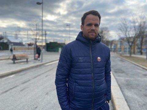 ETTERLYSER POLITI: Hans Martin Imshaug mener synlig politi virker preventivt og etterlyser patruljer på Sørumsand.