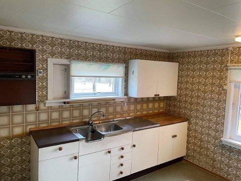 Kjøkkenet har behov for litt oppgradering for å tilfredsstille dagens standard.