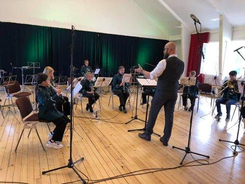 Blaker Skolemusikkorps er i gang igjen etter ferien. Her fra innspillingen til NM for skolekorps før sommeren.