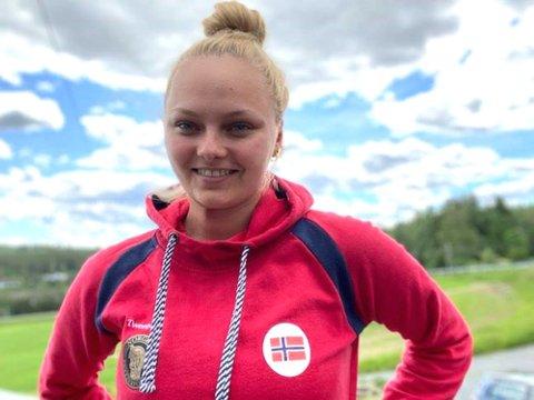 – Jeg er veldig åpen og ærlig, liker og vise meg fram og gjøre det godt, sier Jenny Stene (23), vår eneste lokale OL-deltager i sommer. Foto: Privat