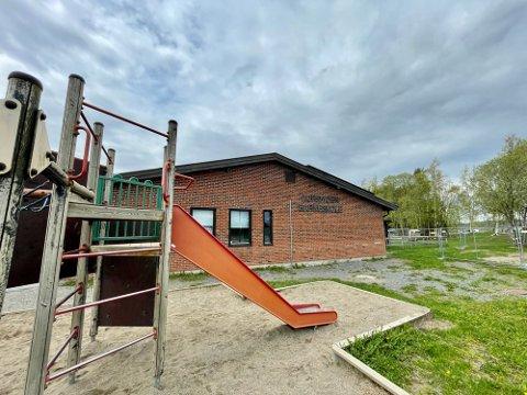 Et høyt smittetrykk gjør at Aursmoen skole går fra grønt til gult nivå fra og med onsdag. Foto: Øyvind Henningsen