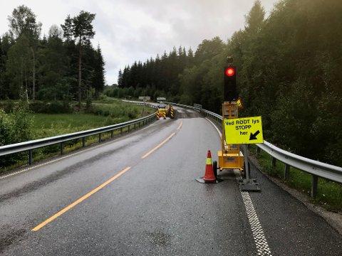 Siden 20. juli har det vært lysregulering og midlertidig bru på fylkesvei 170 Setskogveien ved Bjørkelangen.