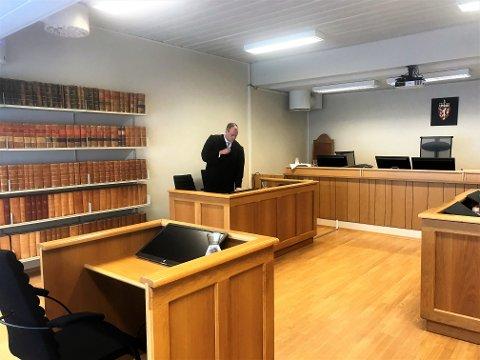 Politijurist Jonas Nerdal var aktor i saken der en mann fra Helgeland står tiltalt for å ha lastet ned, og delt et stort antall bilder og videoer av barn som ble seksuelt misbrukt. Barna var i alderen spedbarn til 12-13 år.