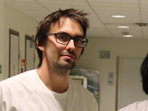 KIRURG: Petter Stausland Dahle er avdelingsleder for kirurgene ved Helgelandssykehuset i Sandnessjøen.