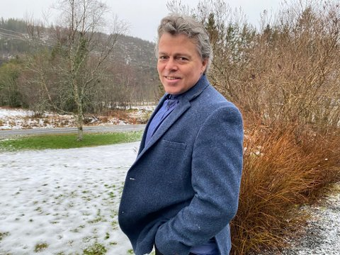 Jørn Govasli gir i samarbeid med Hans Petter Kaggerud ut ny låt om sykehussaken. Govasli ønsker at folk på Helgeland kan ta vare på hverandre på tvers av kommunegrensene.