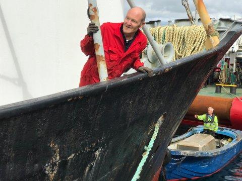 Leder for Stiftelsen Gamle Helgeland, legger ikke skjul på at han er bekymret. På Slipen der båten skulle få nødvendig vedlikehold for å kunne seile igjen, ble det oppdaget mange andre ting som også må utbedres. Regningen kan i verste fall komme på millioner.