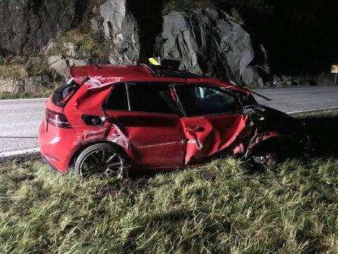 TRE PASSASJERER: Fire personer var om bord i bilen da den kjørte av veien