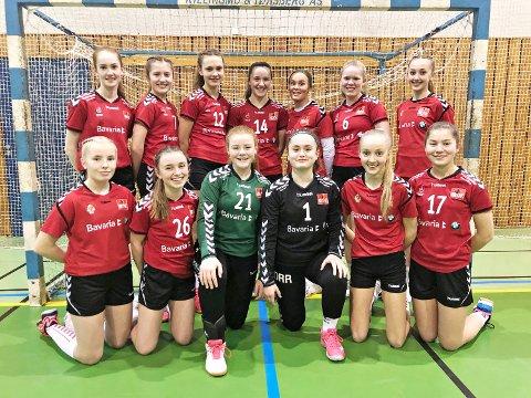 KLARE FOR CUP: Jærbladet gir deg direktesendt håndball i helga. Lørdag kan du  blant annet se J14-laget til Bryne Håndball spille i Forus Sportssenter.