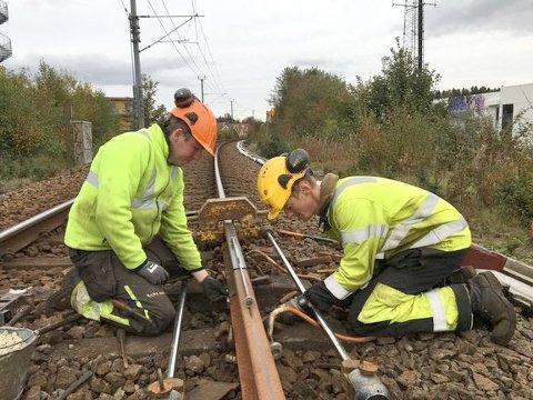 ARBEID PÅ LINJA: Arbeidsperioden i høstferieuka er den siste av fire på Jærbanen i år. Her fra sporarbeid på Jærbanen høsten 2019.