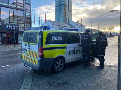 PÅKJØRSEL: En gutt i tenårene ble påkjørt i Jernbanegata i Bryne sentrum torsdag.