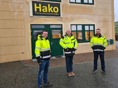 UTVIDER: Hako Total doblet omsetningen i fjor og har mange nye prosjekter i vente. F.v Harald Aarsland, Kjetil Eltervaag og Erik Lunde.