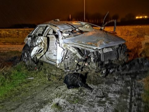 Ein bil blei totalvraka etter utforkøyring langs Jærvegen natt til søndag.