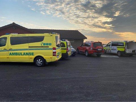 OGNA CAMPING: Mannen i 60-årene skal ha fått livreddende hjelp, og fraktes med luftambulanse til sykehuset.