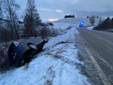 GLATT: Bilen hadde kjørt av veien.