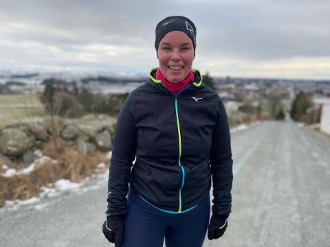 INGEN HINDRING: Minusgrader og kald vind skremmer ikke Tina Kleppe fra å komme seg ut for å løpe i Tubakken.