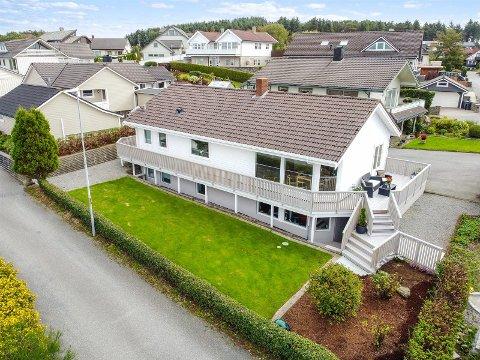 OVER TAKST: Denne boligen i Liljevegen 8 på Kleppe, ble solgt for 5.250.000 kroner, som var 60.000 kroner over takst. Dermed er den blant de 15 dyreste eiendommene som ble omsatt på Jæren i januar.