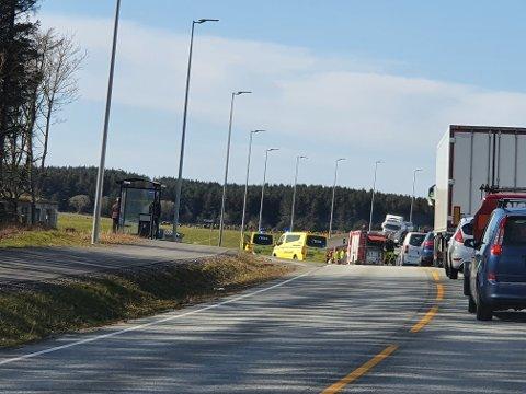 ULYKKE: Slik så det ut på ulykkesstedet rundt klokken 17.00.