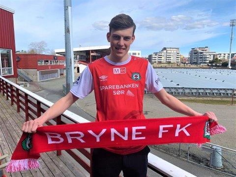 KLAR: Tobias Kvalvågnes Guddal (18) er klar for Bryne.