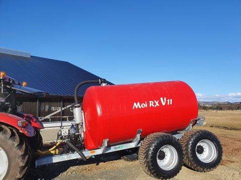NY TEKNOLOGI: Denne gjødselvogn-modellen fra Moi AS kan være den første i verden som er laget av glassfiber som tåler fullt vakuum uten å klappe sammen.