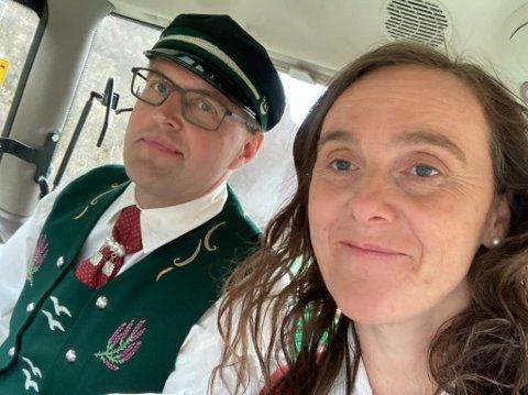PÅ HJUL: Arthur og Marit Salte er overveldet over entusiasmen og støtten folk har vist dem på ferden fra Jæren til Oslo. Nå har det et døgn igjen på veien før de når Stortinget, tirsdag klokka 12.
