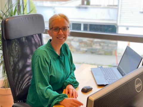 NYTT KONTOR: Siv Høyland på plass i sitt nye kontor på Bryne.