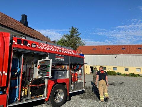 Brannvesenet var torsdag morgen på plass i Stangelandsvegen i Klepp.