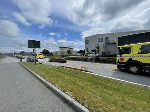Ulykken skjedde likeved Rema 1000 på Håland.