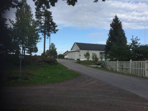 LOKKEMANN: En mann skal ha forsøkt å lokke til seg en elev ved Ekeberg skole ved Borgen. Saken er politianmeldt.