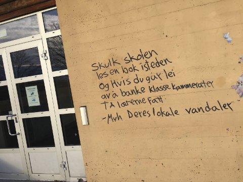 TILGRISING: De som gjorde dette på Gjøklep Ungdomsskole i desember, har nå tilstått. FOTO: JARL REHN-ERICHSEN