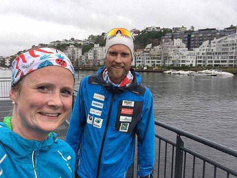 GLEDER SEG: Jimmy Vika er sliten, men gleder seg til maratonetappen i Holmestrand 12. september. Her etter etappen i Kristiansand med prosjektleder Thora Ingeborg Dystebakken.