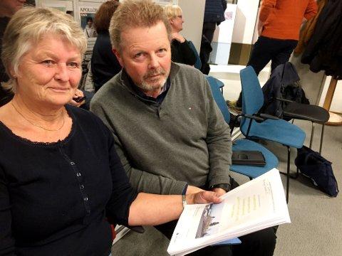 BERØRT: Naboene Karin Østby og Terje Svanevik har lenge protestert mot fortettingsplanene i Hvittingfossveien 92.