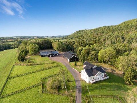 Til sammen har eiendommen en størrelse på over 500 mål.