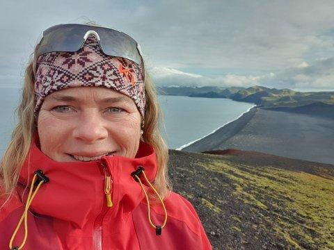 Langt hjemmefra: Linda Mathisen Aakerholt var seks måneder på Jan Mayen. – Det var litt rart og se flyet lette og dra fra oss, sier hun. Foto: Linda Mathisen Aakerholt