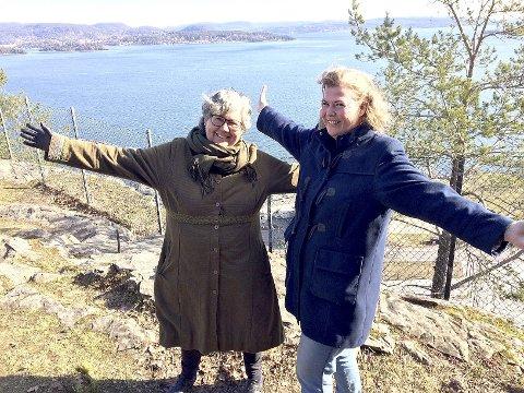 HÅPER DET TAR AV: Kommuneplanlegger Inger Christensen (til v.) og kommunikasjonsrådgiver Suzy Haugan i Holmestrand kommune. Foto: Lars Ivar Hordnes