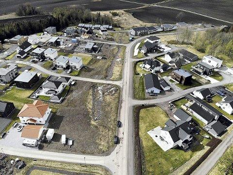 IGJEN OG IGJEN: Vanskelighetene med refusjonsordningen har såvidt Jarlsberg vet ikke gitt problemer for de som har bygd nye boliger her på Nordre Berg.  Foto: Ulrikke Granbakken Narvesen