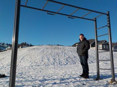 Barna kan treffe metallstengene i stor fart, sier Lars Petter Holst.