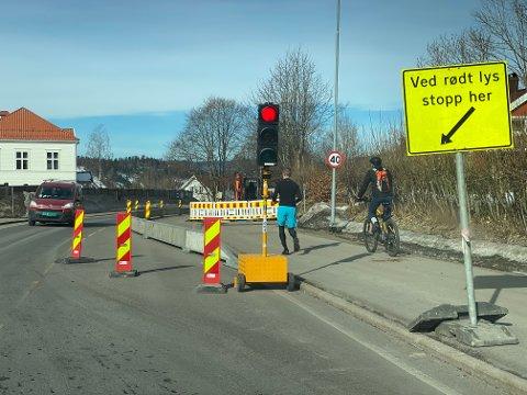 Stopp nr. 1: Lysregulert på grunn av graving. Foto: Pål Nordby