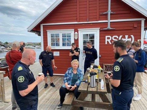16 personer druknet i juni: Statsminister Erna Solberg ber alle om å ta gode forholdsregler når de ferdes på og ved sjøen i sommer. Foto: Redningsselskapet