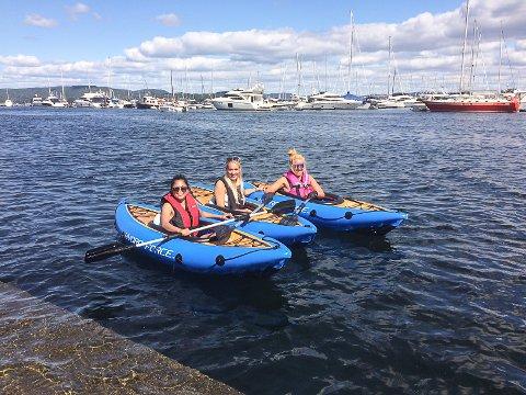VINDEN I RYGGEN: Da venninnene (fra v.) Chona Revetal, Mari Skatrud og Hanne Teigstad kom fram til Holmestrand var det på tide med en pause.