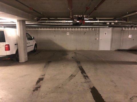 P-PLASS TIL SALGS: Eiendomsgruppen Oslo AS Har 20 p-plasser som nå selges til andre enn de som allerede bor i leilighetskomplekset Quadraturen på Jessheim.