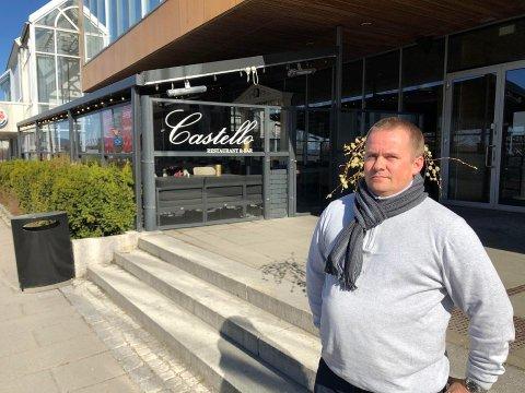 BEKYMRET: Ståle Lien Hansen, gruppeleder i Ullensaker Frp, vil be om at restauranter og utelivsbransjen på Jessheim får servere alkohol også etter klokka 21.