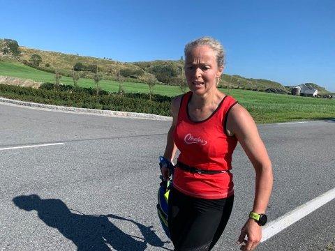 MANGE TANKER: I løpet av nesten 15 timer i vann, på sykkel og på beina, rakk Gry Merkesdal å reflektere mye. Triatlon har gitt henne blod på tann.