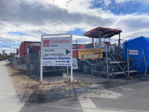 HER BLIR DET BOLIGER: Nordr har inngått avtale med Veidekke om kjøp av denne tomta sentralt på Jessheim.