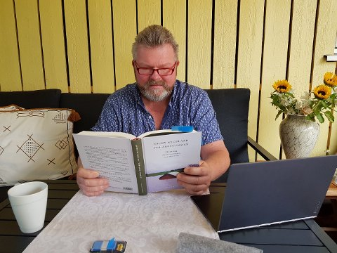 PLANLA LESERINNLEGG: Eirik Ballestad (MDG) ble inspirert til å skrive et leserinnlegg om flom da han leste boka om flommen på Vestlandet i 2014. Få dager senere lå deler av Europa under vann.