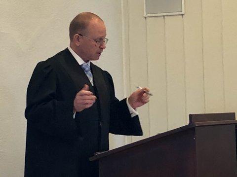 FORNØYD: Forsvarer Jens Bernhard Herstad sier tiltalte er fornøyd med å være frikjent i to rettsinstanser.