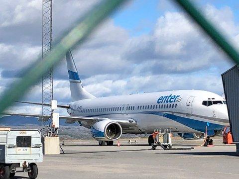 ENTER AIR: Dette flyet landet plutselig i Kirkenes fredag.